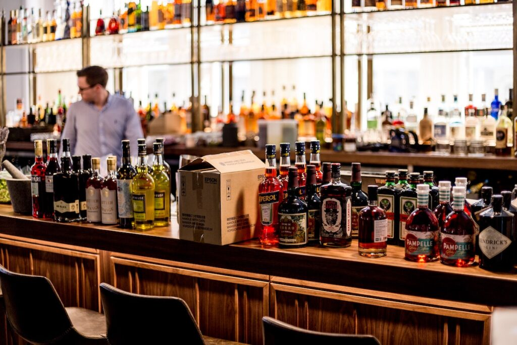 alcohol alcoholic beverages alcoholic drinks 2566029